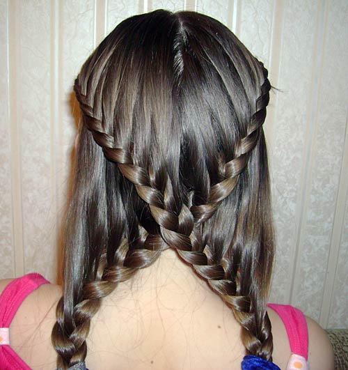 Çarpı örgülü saç tasarımı