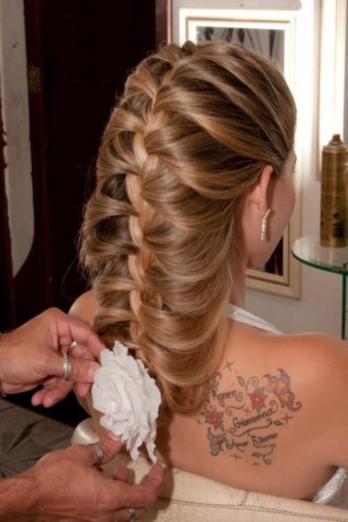 Gelinler için özel saç tasarımları