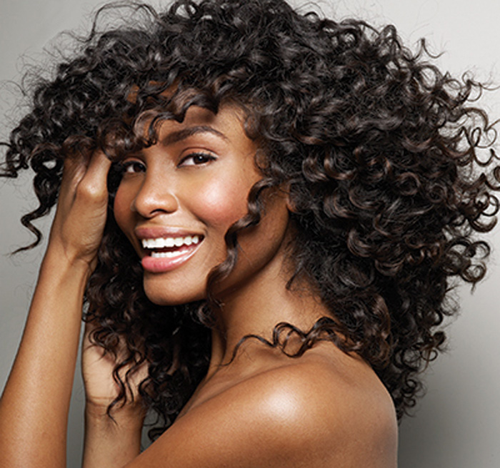 Zenci kıvırcık saç modeli