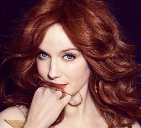 Bukleli kızıl saç modeli