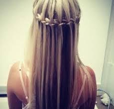 taç şeklinde örgü saç modeli
