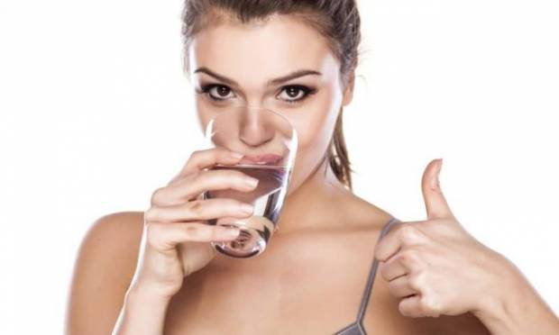 Yeterli Miktarda Su İçmediğinizin 10 Kanıtı