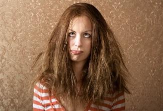 Kabaran ve Elektriklenen Saçlarım Var, Ne Yapabilirim?
