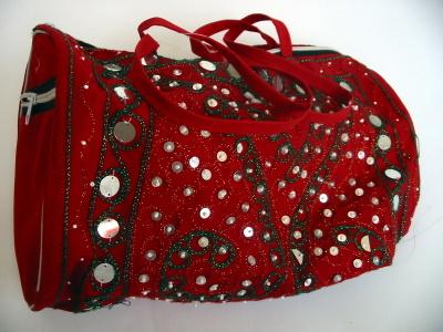 inci ve boncuk işlemeli çanta