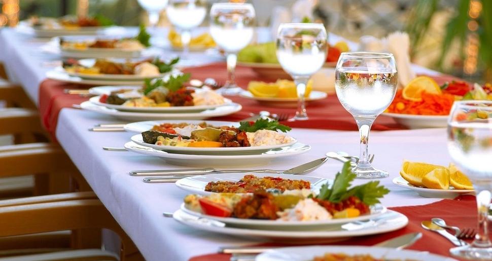 dışarıda yemek-yemek