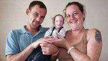 Doktorların Fazla Yaşayamacağını Söylediği Küçük Kız Herkesin Yüzünü Bakın Nasıl Kızarttı