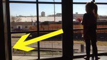 Küçük Kız 3 Yıl Boyunca Kondüktörlere El Salladı – Bir Gün Kızın Pencerede Olmadığını Farkettiler