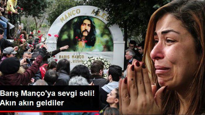 Barış Manço'ya Mezarının Başında Sevgi Seli! Hayranları Akın Akın Geldi