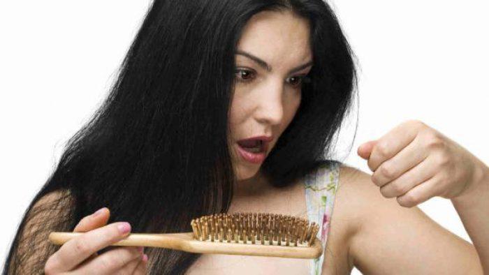 Şok Diyetler Saç Dökülmesine Neden Oluyor